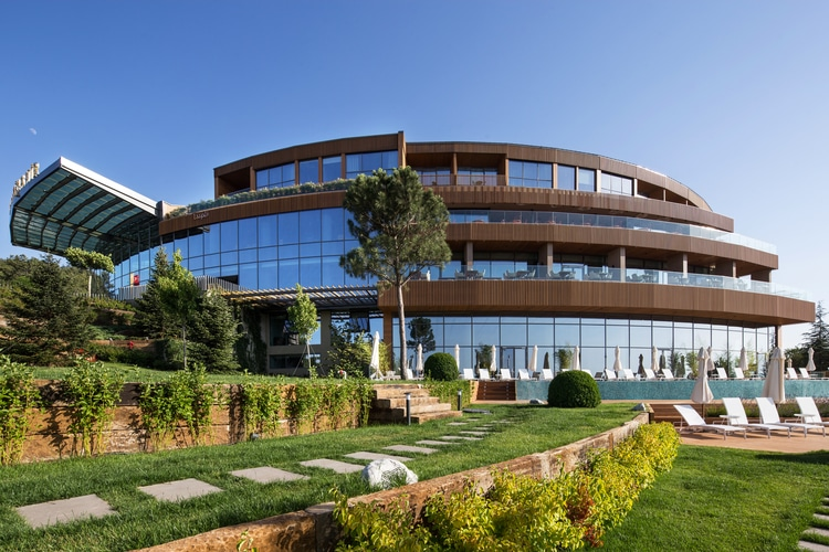 Technowood cladding on the Eskisehir hotel in Turkey